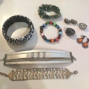 Assorted jewelry bundle EUC